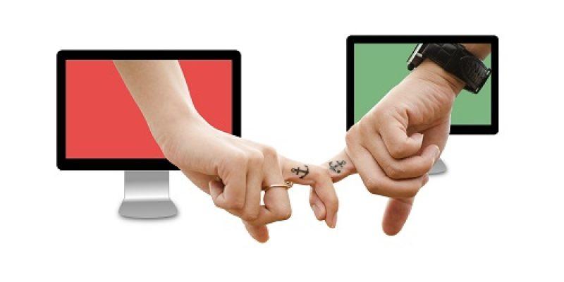 Nos conseils pour engager la conversation sur un site de rencontre